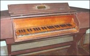 Small Giuseppe Verdi's keyboard